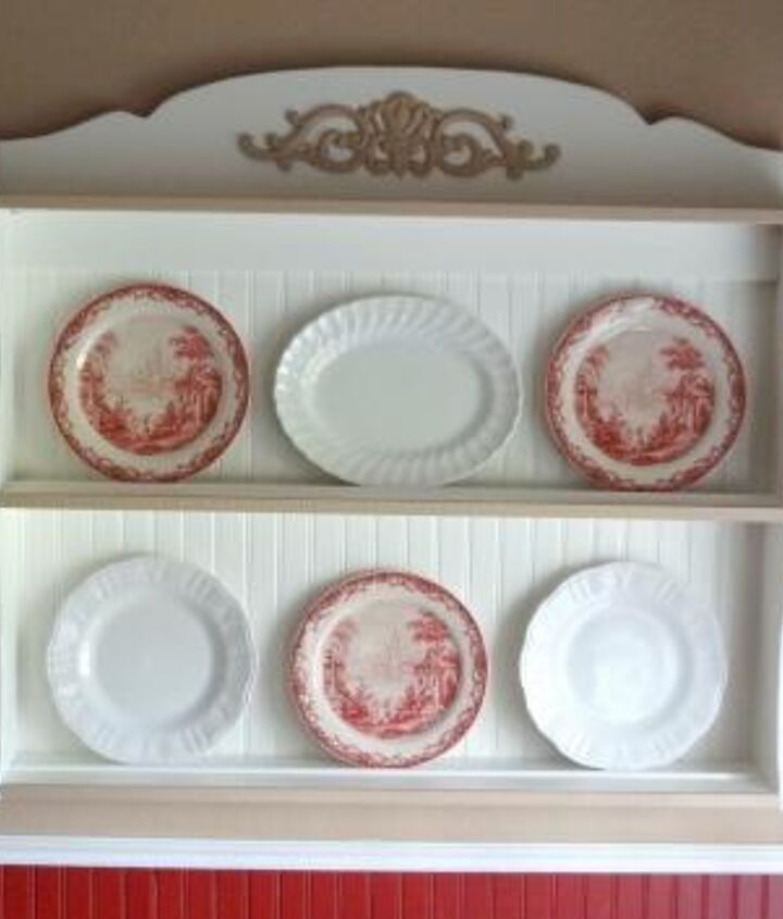 Close up of one plate rack.