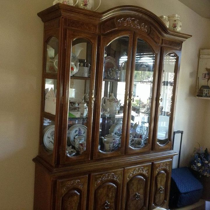 redoing my china hutch, painted furniture