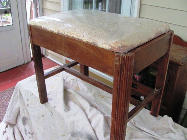 vintage vanity bench makeover, painted furniture, Before