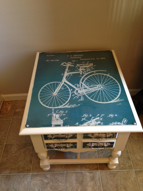 up cycled side table, painted furniture