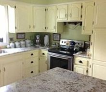what color to paint my dining room and kitchen, dining room ideas, home decor, painting, my kitchen with the granite on the island