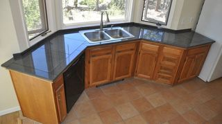 q want to paint my kitchen countertops to look like stone travertine or limestone any, countertops, kitchen design, painting, Sink half on the kitchens granite