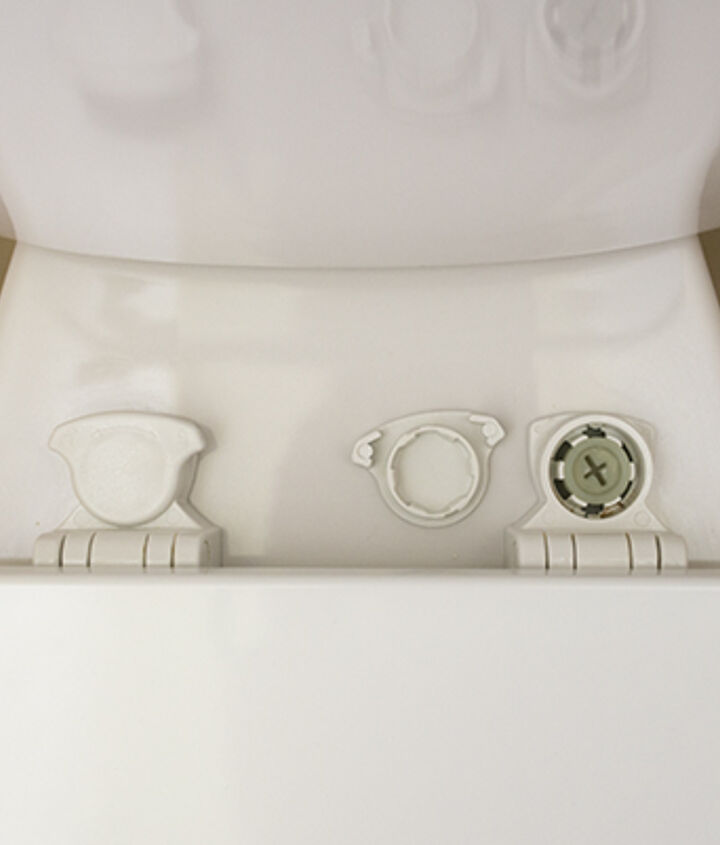 how to clean the toilet ledge, bathroom ideas, cleaning tips