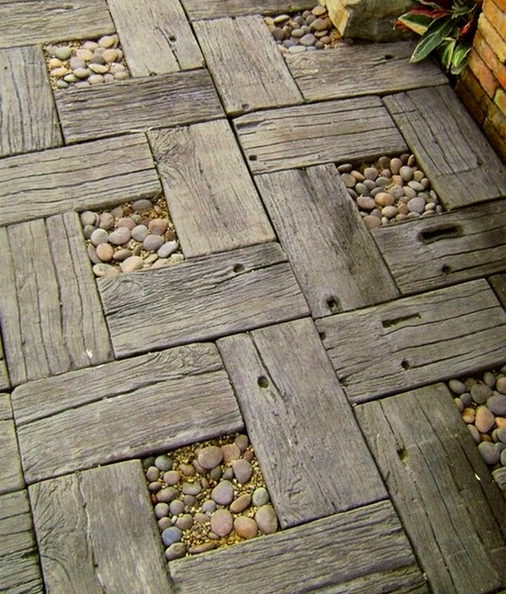 This walkway design is screaming to be created with reclaimed railway ties.