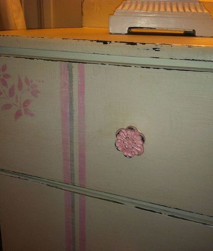 new look for an old dresser, bedroom ideas, chalk paint, painted furniture, shabby chic