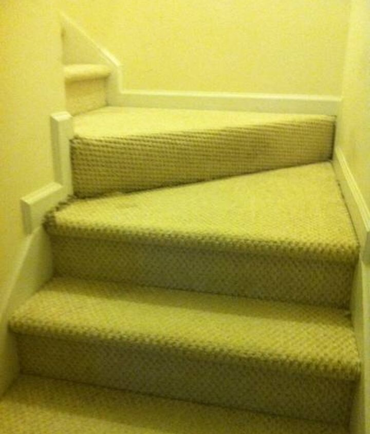 Carpeted staircase landings.