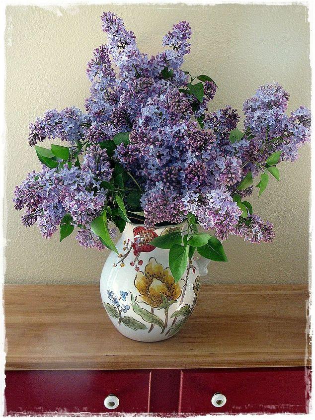 Overflowing in vases