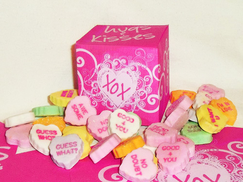 Tiny Gift Box Hugs And Kisses Valentine Box Free Printable Hometalk