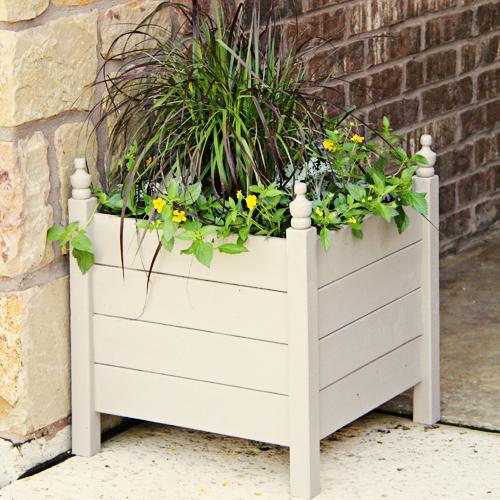 Diy 15 outdoor planter boxes hometalk diy 15 outdoor planter boxes decks doors gardening outdoor living woodworking workwithnaturefo