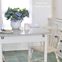 the secret to adding farmhouse style in your kitchen, home decor, kitchen backsplash, kitchen design, A simple farmhouse table can be used as is for a quick breakfast or add the table leaf when everyone is gathered for dinner