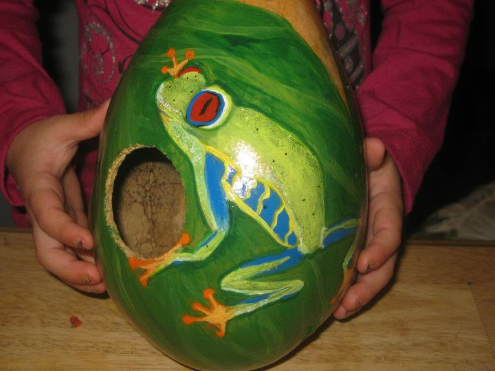 birdhouse s i ve painted and make out of gourds, crafts