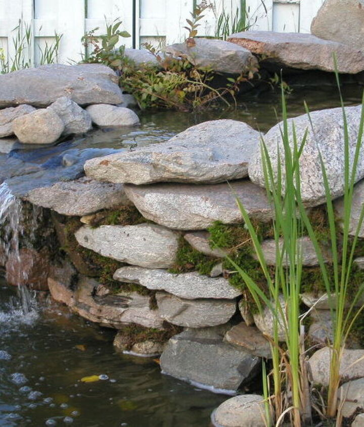Pond Waterfalls with cascading waterfalls. Building instructions: http://www.usa-gardening.com/waterfall/garden-waterfall.html