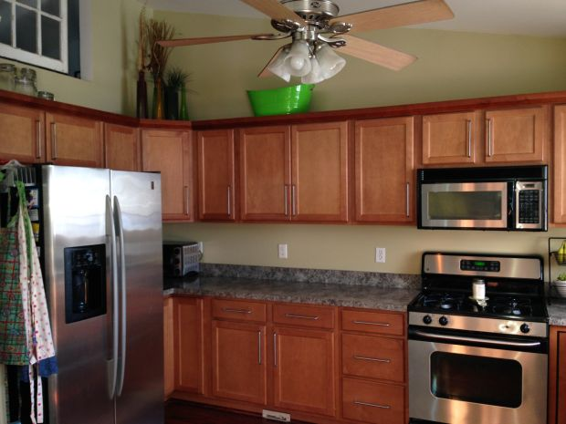 chalk paint kitchen refreshed, chalk paint, countertops, diy, kitchen cabinets, kitchen design, painting, Before