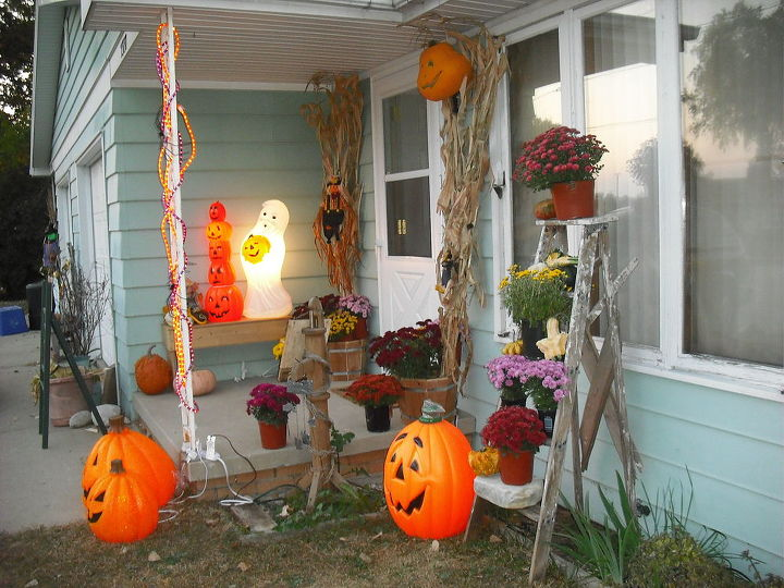 Before rearranging porch and adding stalks and mums