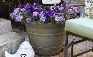 monogrammed outdoor sign, crafts, gardening