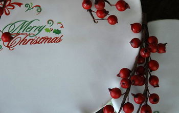 Take a plain plate or cake plate and add some holiday cheer!