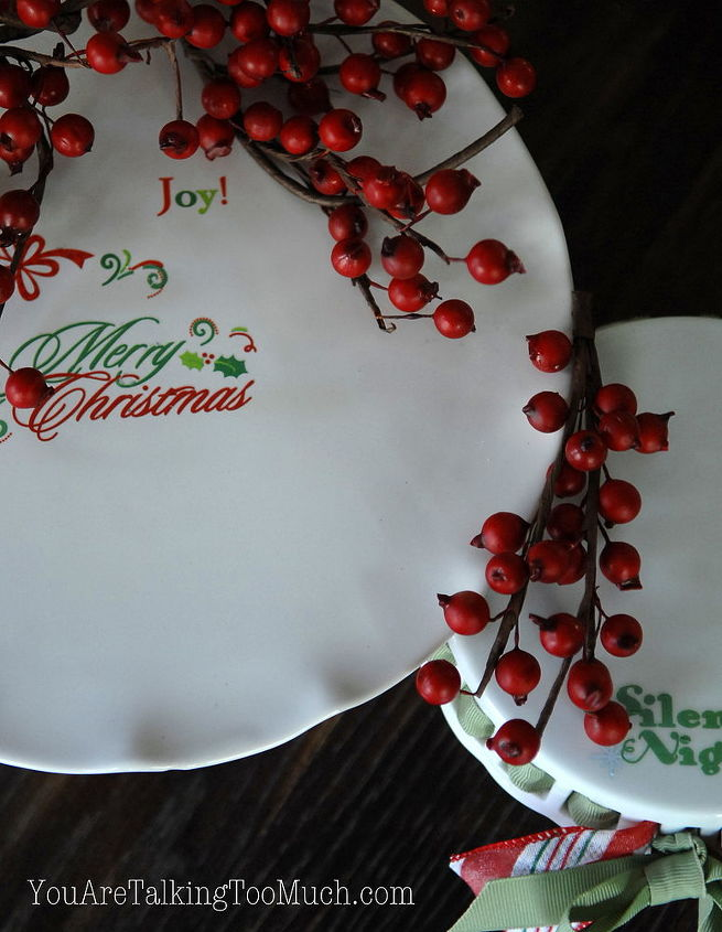 What a fun change? http://youaretalkingtoomuch.com/2012/11/christmas-cake-plates-decorating/#
