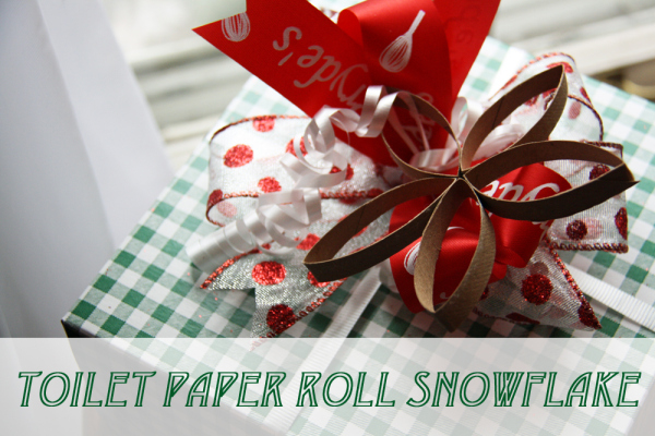 Toilet Paper Roll Snowflake Christmas Decorations Crafts Repurposing Upcycling Seasonal Holiday Decor