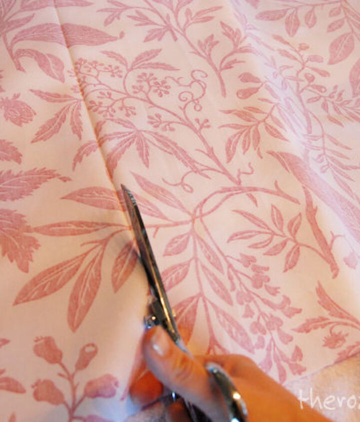 Step 3: Cut the fabric along the crease.