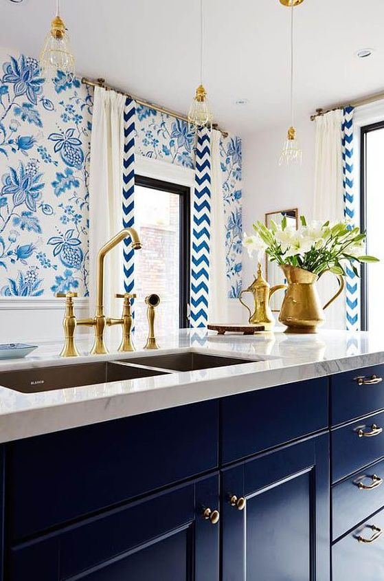 trend watch gold hardware, bathroom ideas, home decor, kitchen cabinets, kitchen design, painted furniture, Designer Sarah Richardson of HGTV s Sarah s House used gold hardware to contrast the deep blue cabinets of this luxury kitchen Photo Source