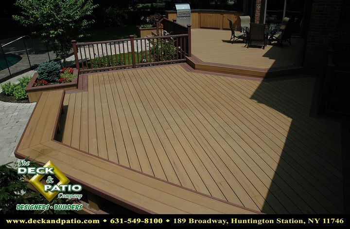 """Trex deck with 2 colors and """"picture framed"""" Outdoor kitchen built from Trex"""