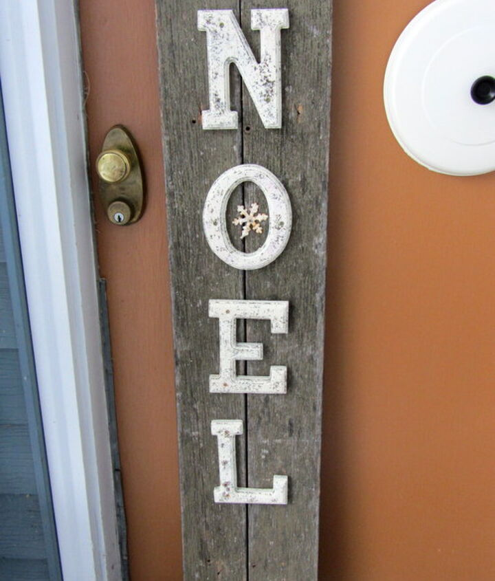 a rustic noel christmas sign, christmas decorations, crafts, repurposing upcycling, seasonal holiday decor