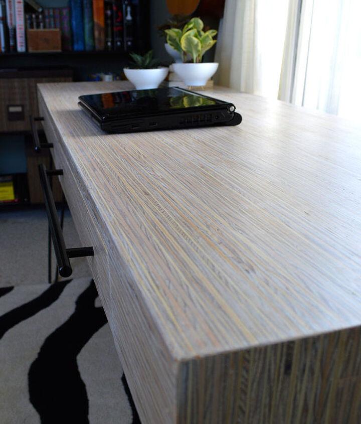 Plywood-strip desk: close up.