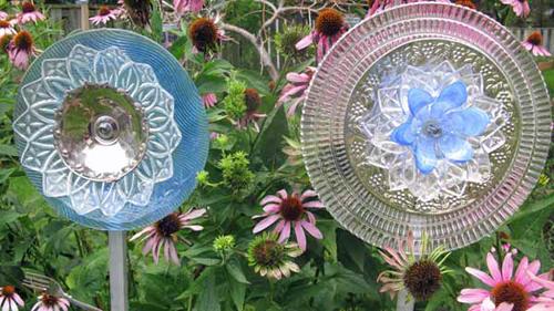 The secret to making garden art flowers from dishes hometalk for Gartendekoration glas