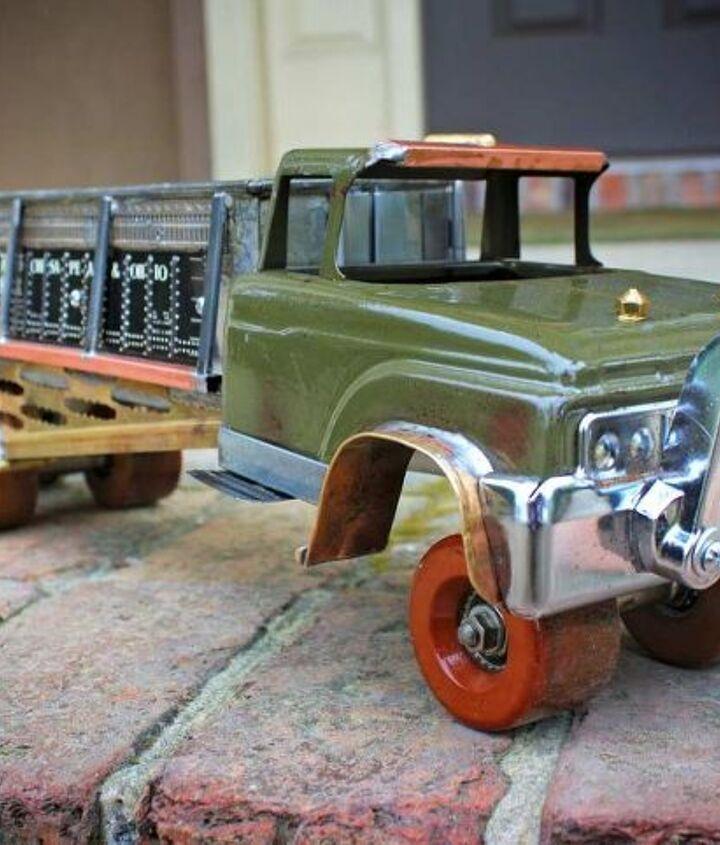 Repurposed Roller Skate Heavy Hauler by GadgetSponge.com