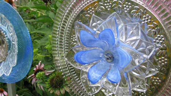 The Secret To Making Garden Art Flowers From Dishes | Hometalk