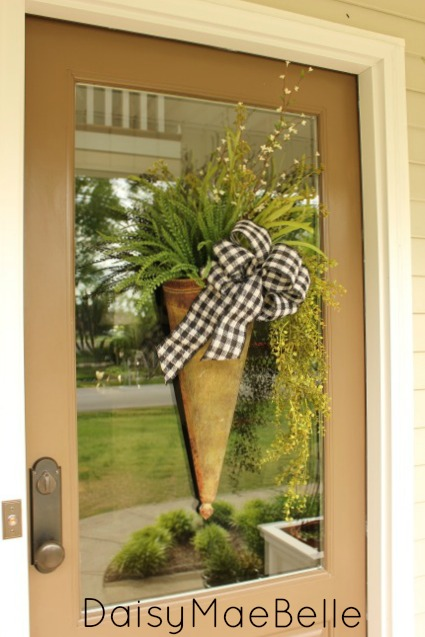 A Step By Step Guide To Making An Arrangement For Your Front Door