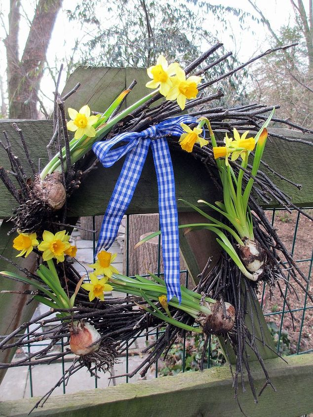 Tete a Tete Twig Wreath