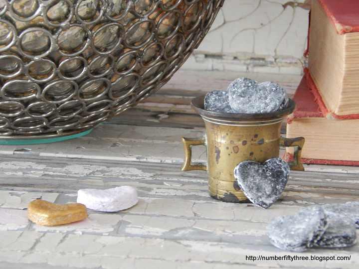 simple salt dough hearts, chalkboard paint, crafts, seasonal holiday decor