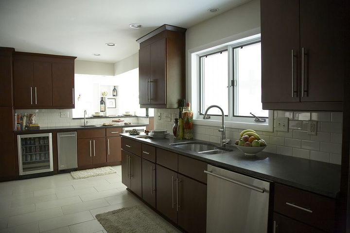 I believe that working with an interior designer is no longer about simply designing a beautiful kitchen. It's about having a trusted adviser to guide you through the entire process...from beginning to end. www.RandiDestefano.com