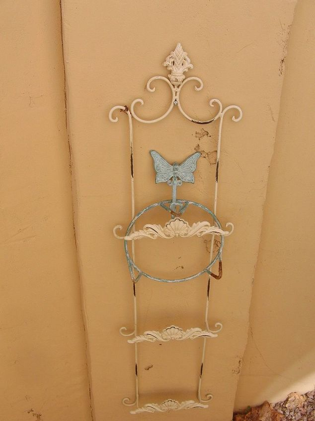 simple trellis from a plate rack, flowers, gardening