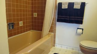 q bathroom deep cleaning time professional cleaners vs homeowners, bathroom ideas, cleaning tips, Tub angled view
