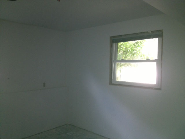 q what is the best color to paint a basement bedroom, basement ideas, bedroom ideas, painting