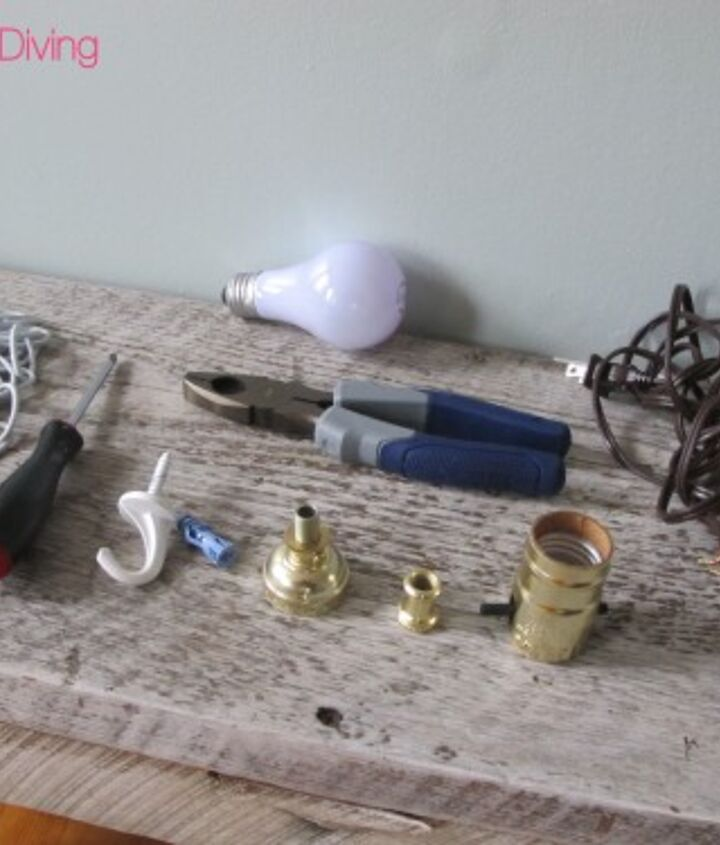 Here is a look at the materials you'll need to create your own DIY pendant lamp.