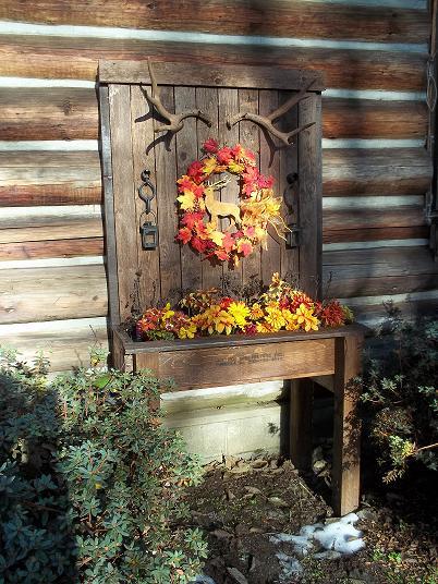 display planter using recycled materials, christmas decorations, repurposing upcycling, seasonal holiday decor, wreaths