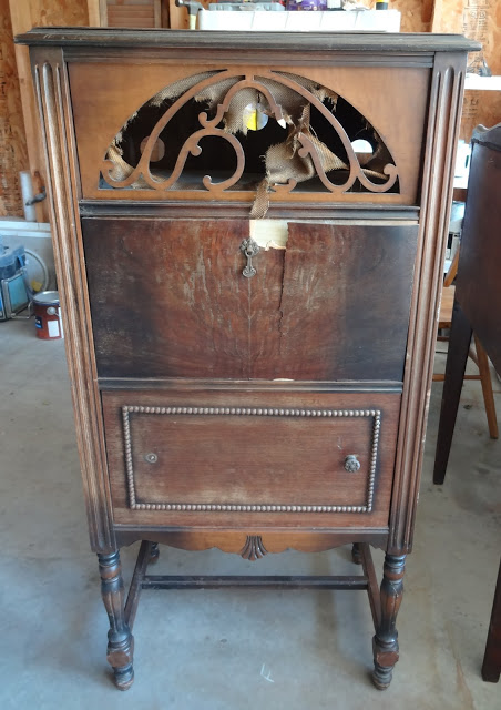 vintage radio cabinet revamp, kitchen cabinets, painted furniture,  repurposing upcycling, Before There - Vintage Radio Cabinet Revamp Hometalk