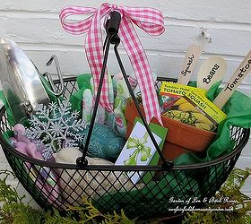 Diy Gifts For Gardeners, Container Gardening, Crafts, Gardening, A Wire  Tote With