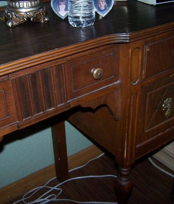 This is the desk I would like to paint