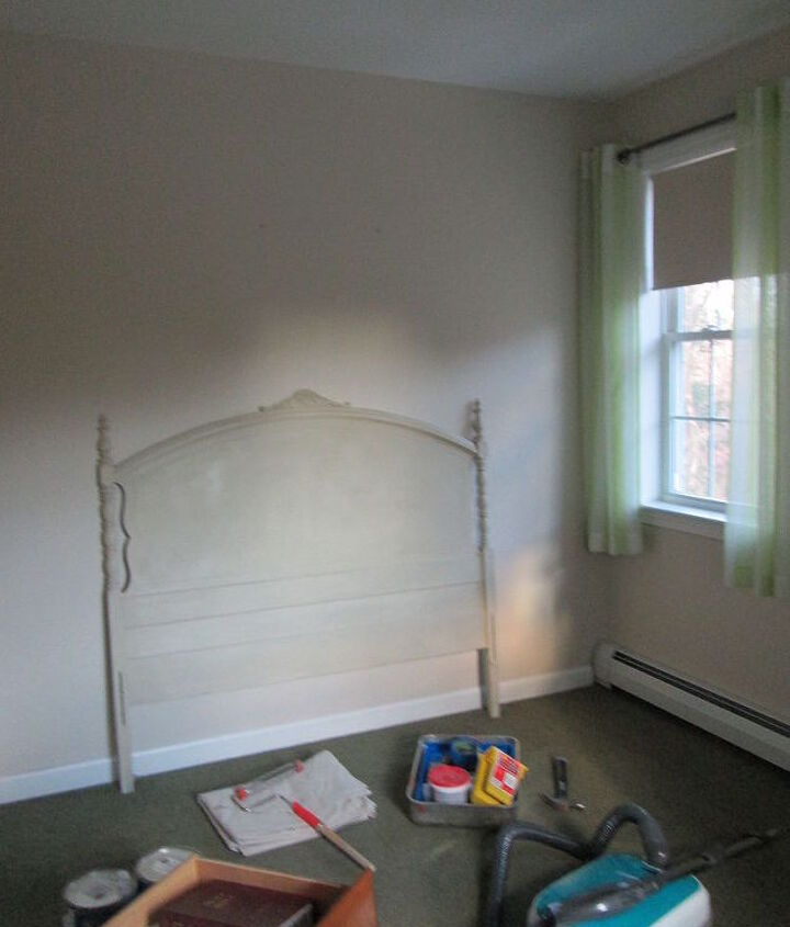a small empty room with a lot of potential