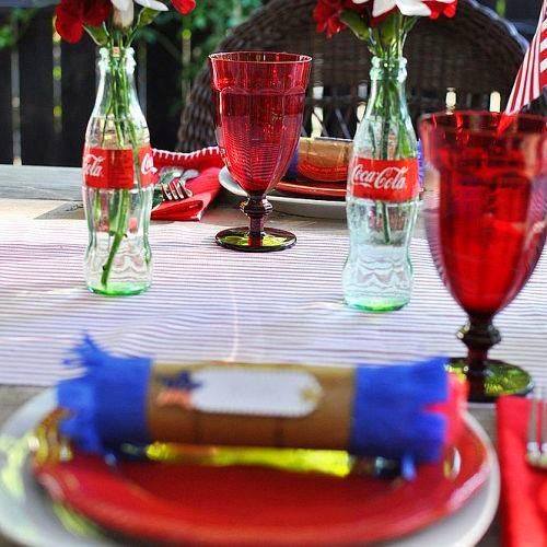 Are you hosting a 4th of July celebration? I love coming up with festive touches for your table. Like this firecracker place card and party favor.