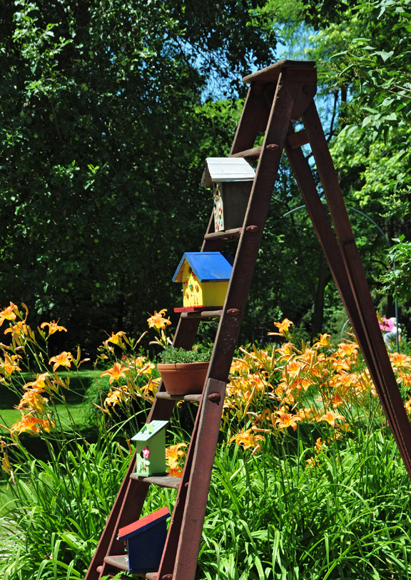 10 great ways to display birdhouses in your garden, gardening