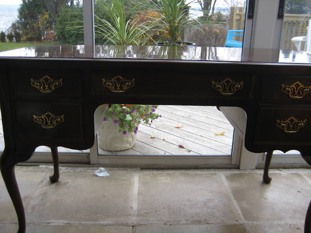 destroyed to devine desk, painted furniture
