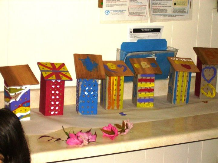 Our finished Bee homes, custom painted with non-toxic paint.