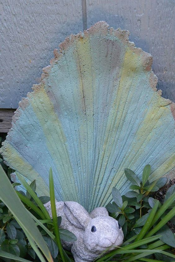 The palm leaf that I thought looked like a shell so I painted it more colorful.