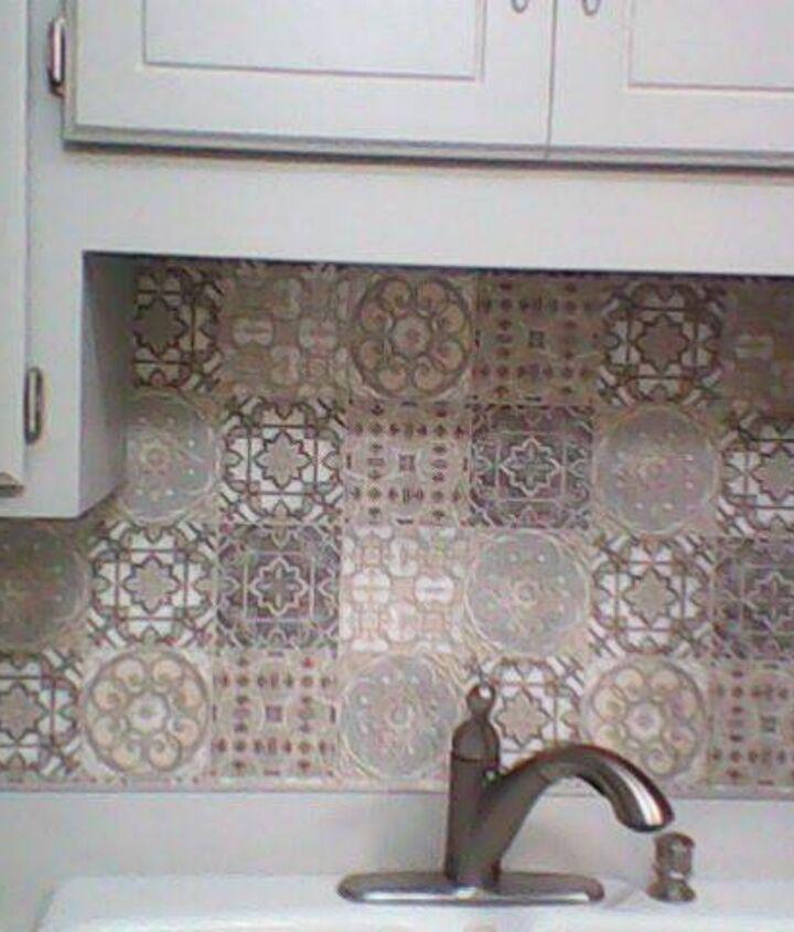 "Upper cabinets Cabot wood stain ""Seacoast Gray"", Varathane Satin polyurethane."
