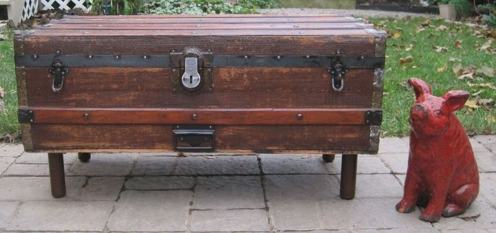 antique steamer trunk into coffee table should the interior be lined, painted furniture, repurposing upcycling